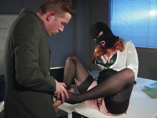 Порно измена с трансом